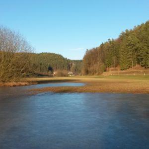 Eisfläche im Rabenecker Tal